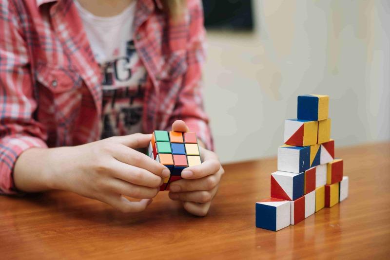 Польза кубика рубика для мозга